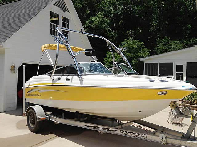 2008 Chaparral 190 ssi boat wakeboard towers