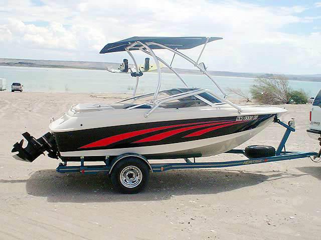 1995 larson 4.3 litre vortek boat wakeboard towers
