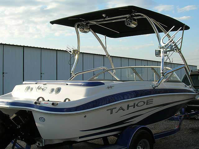 2008 Tahoe boat wakeboard tower