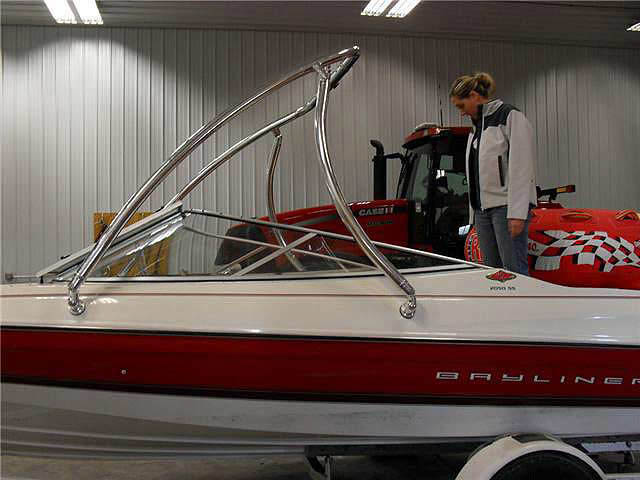 1996 Bayliner 2050SS boat wakeboard tower