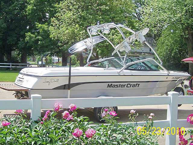 wakeboard tower for MasterCraft ProStar 205 Sammy Duvall Edition boats