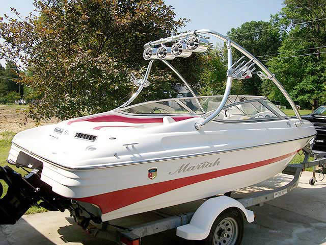 2004 Mariah SX18 boat wakeboard towers