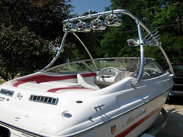 2004 Mariah SX18 boat wakeboard tower