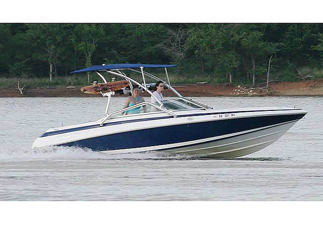 Cobalt / 220 / 1995 boat wakeboard towers