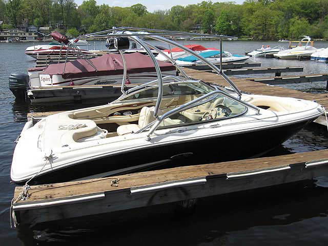 2002 SeaRay 190 Signature boat wakeboard towers