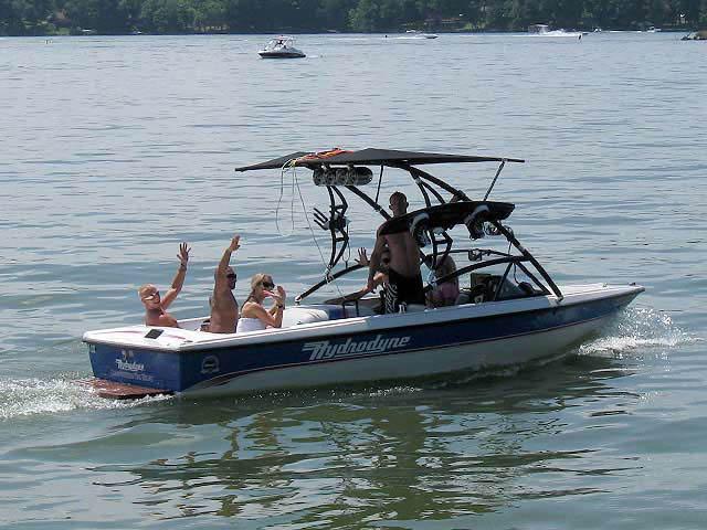 1993 Hydrodyne Comp boat wakeboard tower
