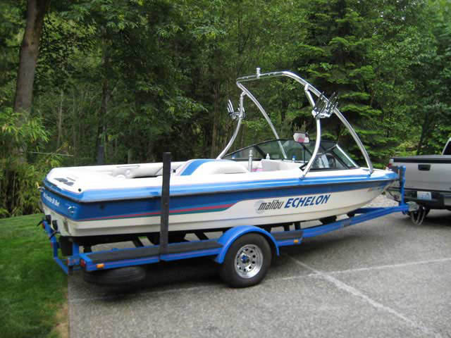 1994 Malibu Echelon boat wakeboard towers