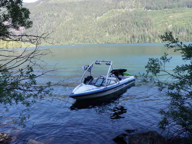1994 Malibu Echelon boat wakeboard tower