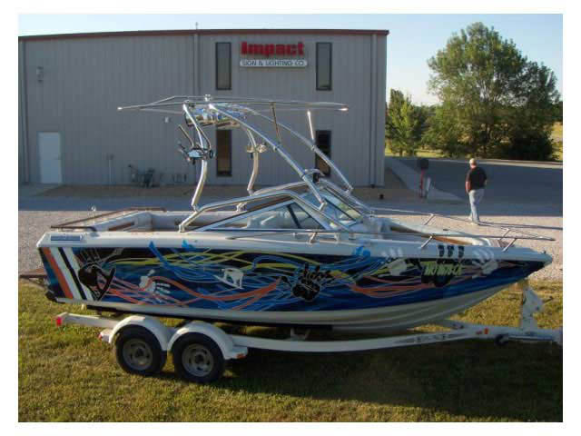 Celebrity 190 Bowrider boat wakeboard towers