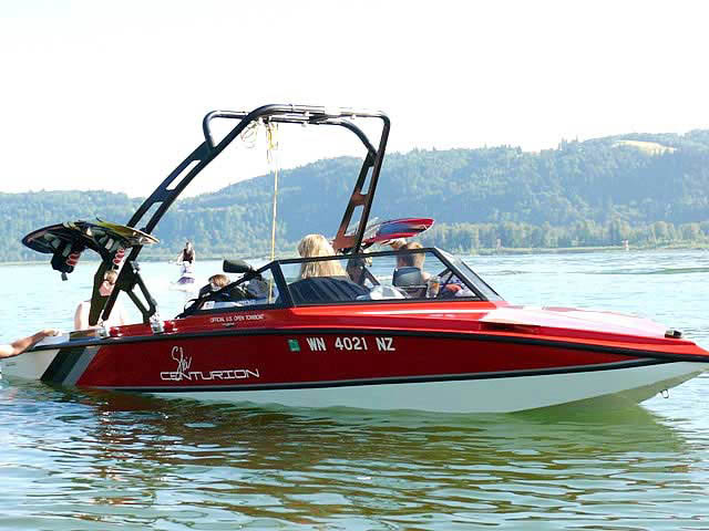 91 Ski Centurion boat wakeboard towers