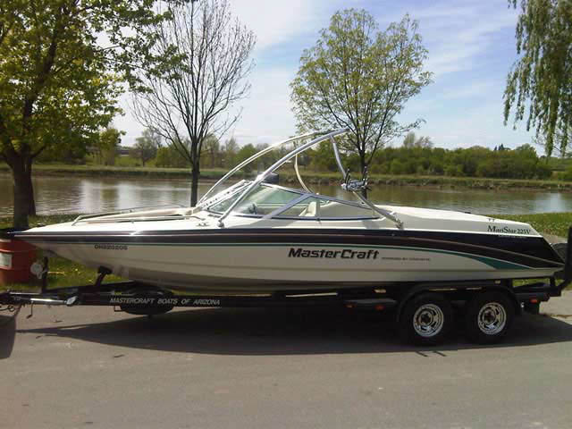 wakeboard towers for 1997 Mastercraft Maristar 225V boats using Aerial Ascent Tower