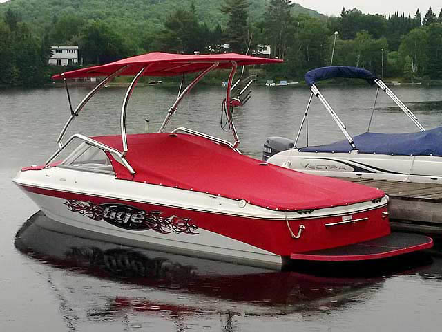 2007 Tige 20i boat wakeboard towers