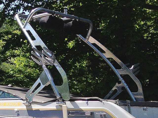 1988 Four Winns Horizon 200 boat wakeboard tower