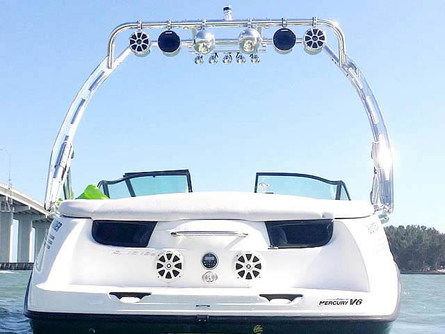 Seadoo Utopia 2002 boat wakeboard tower