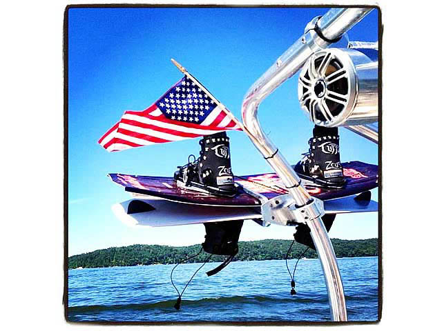 2001 Chaparral 180 SSE boat wakeboard tower