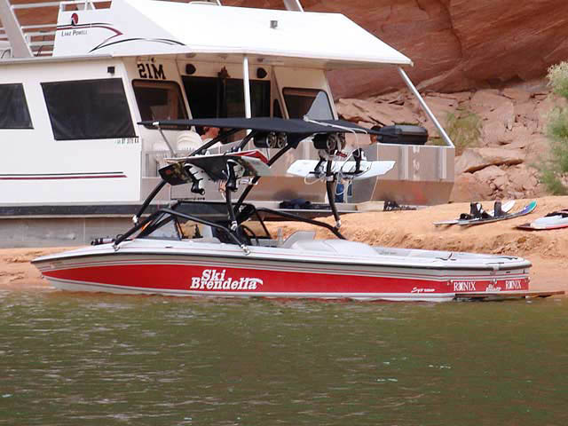 1992 Brendella Pro Comp boat wakeboard towers