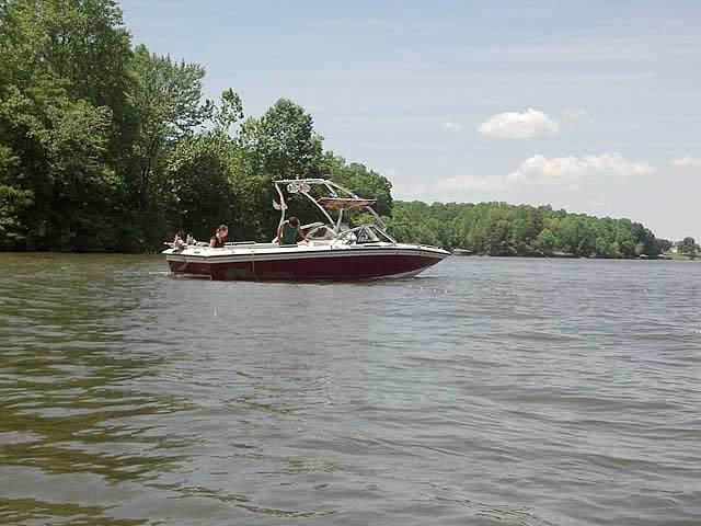 1998 Supra Saltare  boat wakeboard tower