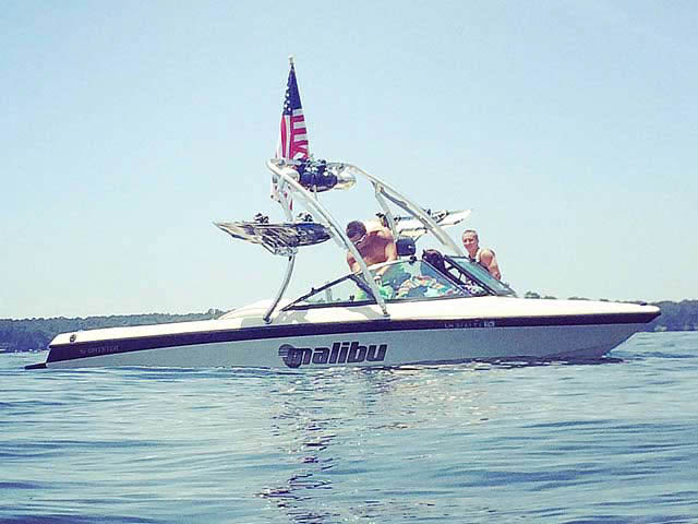 1998 Malibu Sportster boat wakeboard towers