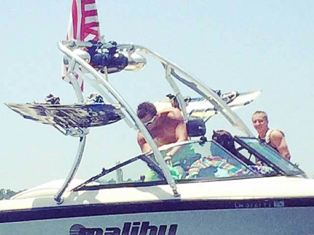 1998 Malibu Sportster boat wakeboard tower