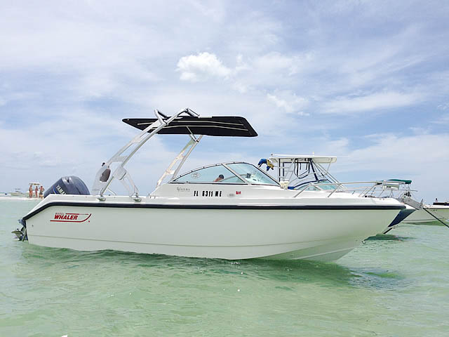 2001 Boston Whaler Ventura 21 boat wakeboard towers