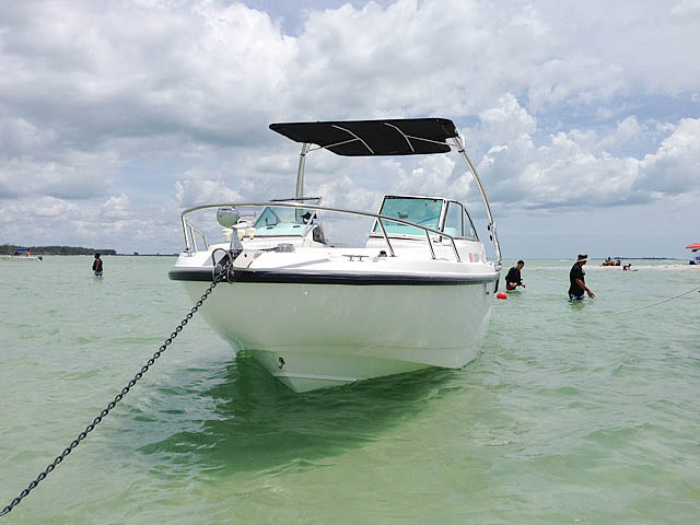 2001 Boston Whaler Ventura 21 boat wakeboard tower