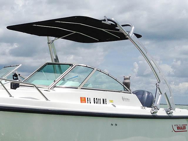 2001 Boston Whaler Ventura 21 boat wakeboard tower