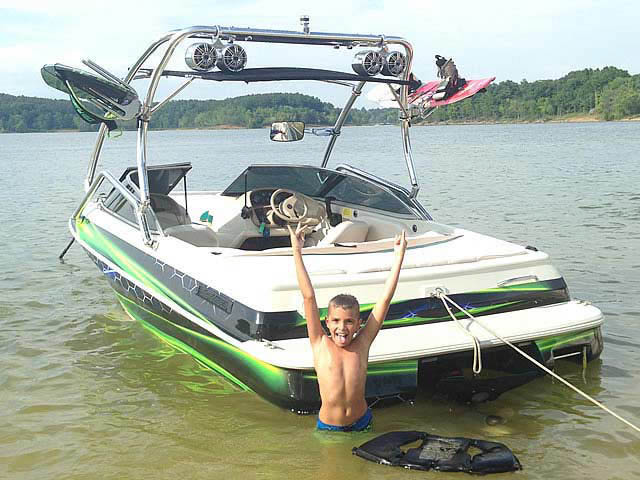 1996 Sylvan Runabout boat wakeboard towers