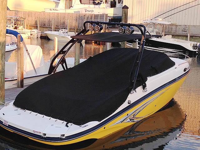 2013 Rinker 246 cc boat wakeboard tower