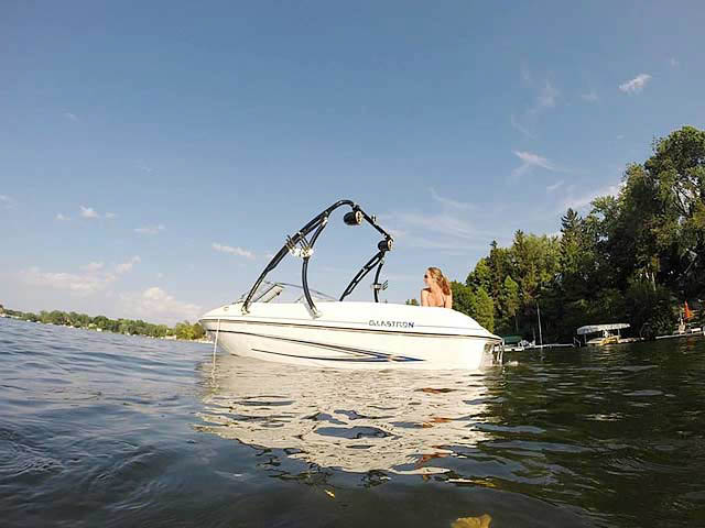 2005 Glastron MX 175 boat wakeboard towers