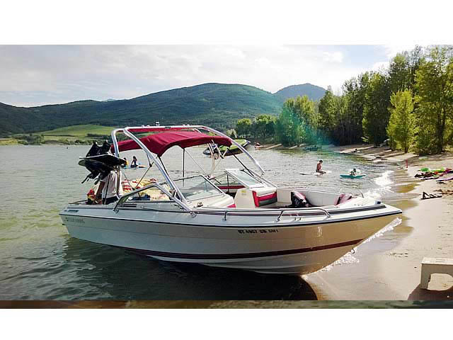 1990 Four Winns 22 ft boat wakeboard towers