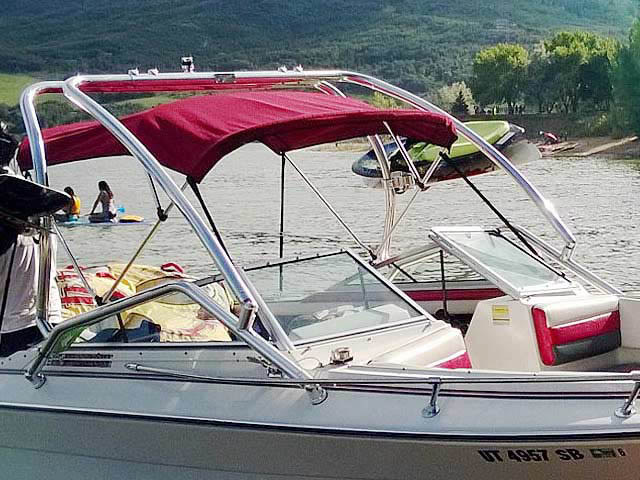 1990 Four Winns 22 ft boat wakeboard tower