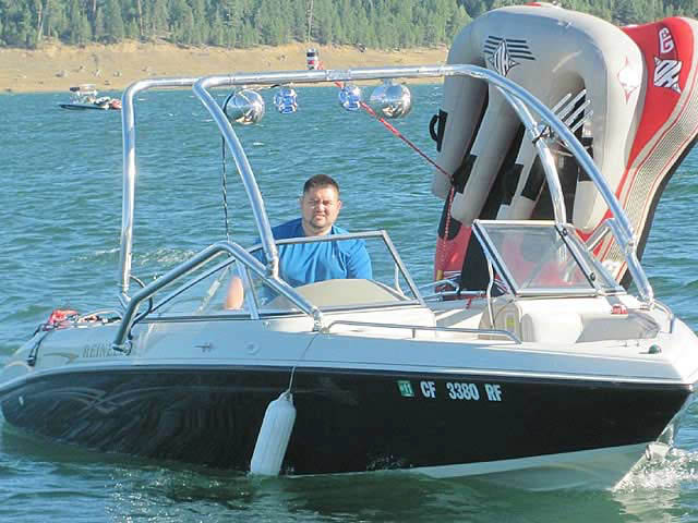 2004 REINELL 20' 207 Model boat wakeboard towers installed on 09/09/2010