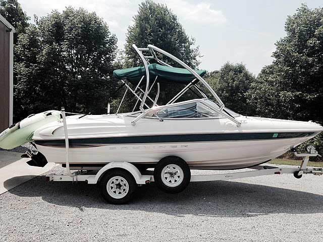 2000 Bayliner Capri 1850 LX boat wakeboard tower