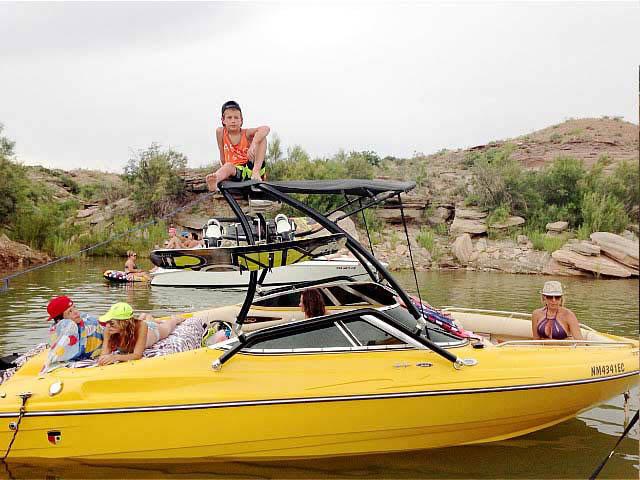 2001 Mariah Z212  boat wakeboard towers